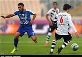 دیدار تیم های فوتبال استقلال تهران و صبای قم