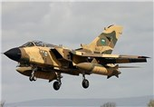 یمن پر سعودی بمباری جاری/ یمنی سرکاری فوج کا منہ توڑ جواب