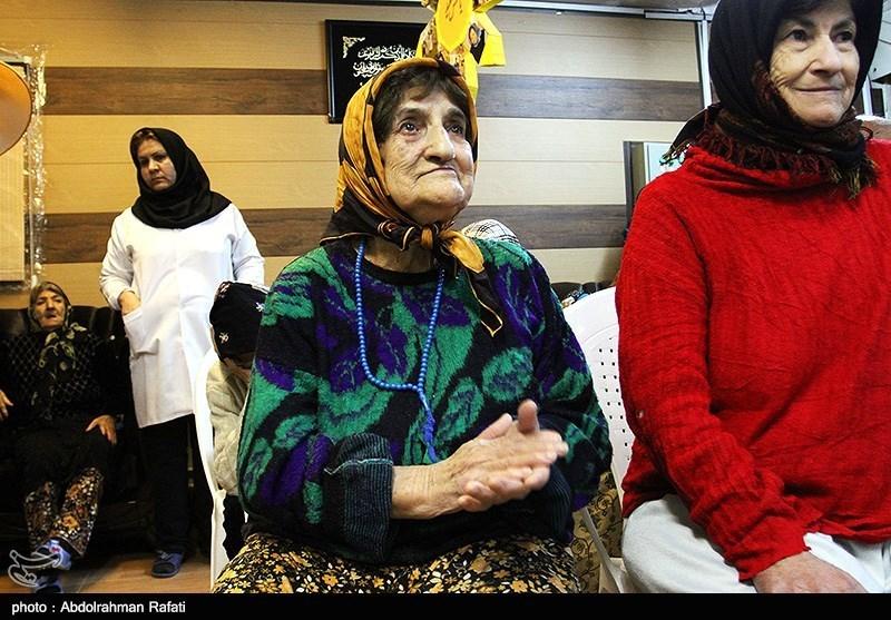 شب یلدا در خانه سالمندان همدان