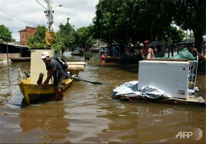 Five Dead, 150,000 Evacuated in Latin America Floods