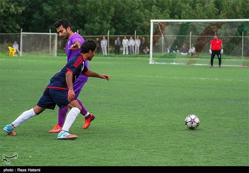 دیدار تیمهای فوتبال رسانه تهران و پیشکسوتان خارگ بهروایت تصویر