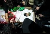"""فیلم/ مداحی محمود کریمی در مراسم تشییع پیکر شهید مدافع حرم """"امیر سیاوشی"""""""