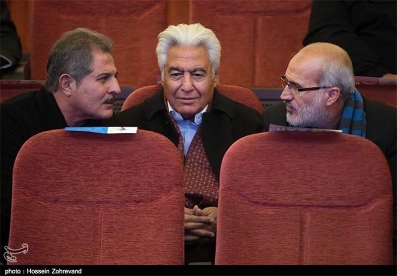محمدی: قوانین حاکمیتی از جمله بازنشستگی باید در اساسنامه باشد/ بازیکنان دارای بیش از 100 بازی ملی وارد مجمع شوند