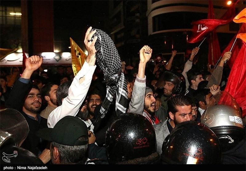 تجمع مردم و دانشجویان علیه آل سعود در میدان امام حسین(ع) تهران آغاز شد
