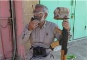 اعضای بسیج مهندسین خوزستان از خانواده سردار شهید مدافع حرم تقوی فر تجلیل کردند