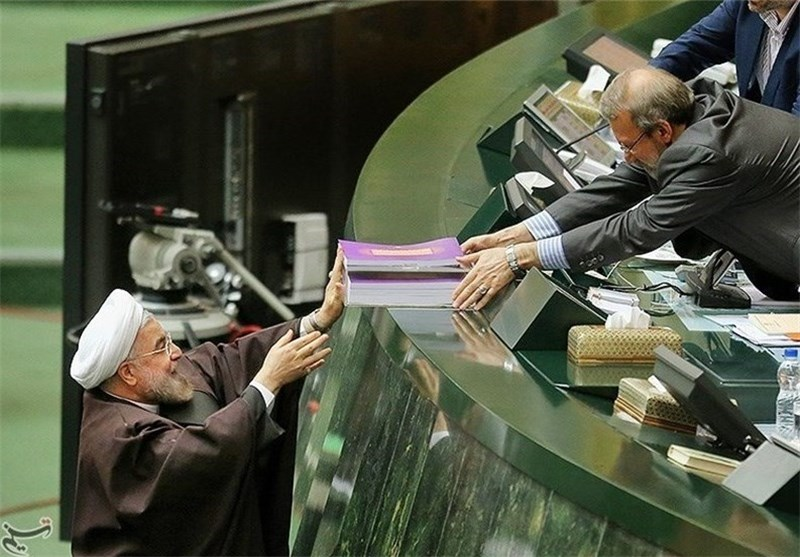 Iranian President Submits Budget Bill to Parliament