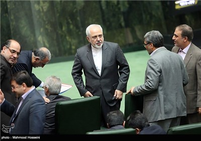 Iranian MPs Urge Harsh Diplomatic Reaction to French Insult to Islam