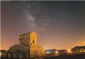 تصویر کهکشان راه شیری بر فراز پاسارگاد