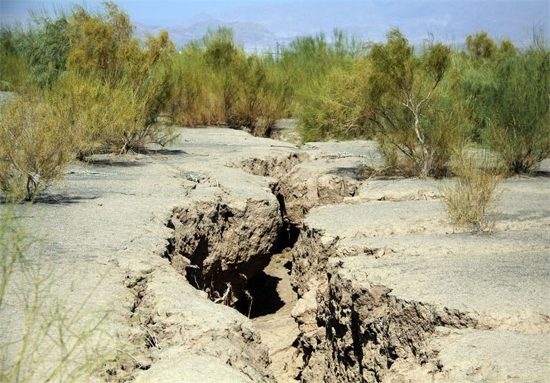 خشکسالی/نشست زمین/