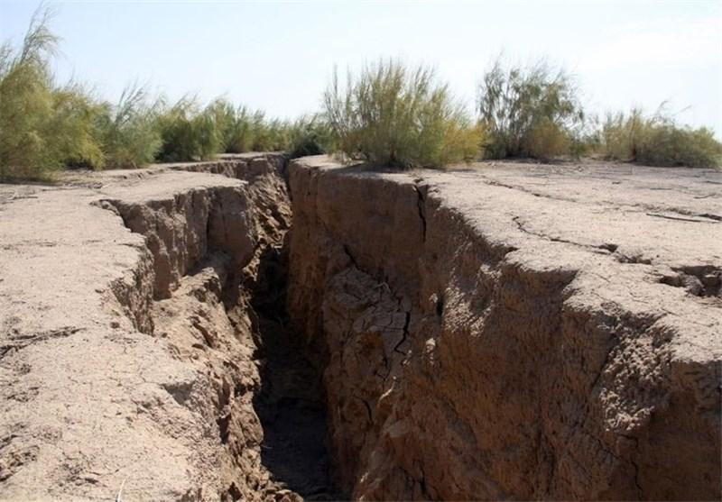 فرو نشست زمین در خراسان جنوبی باید جدی گرفته شود