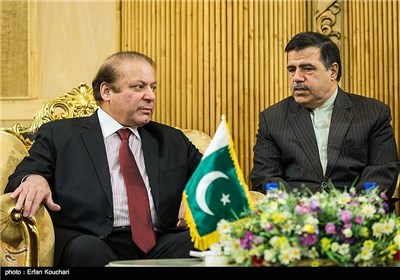 Pakistani PM Sharif in Tehran for Official Visit