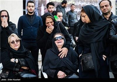 تشییع پیکر مرحوم رضا احدی