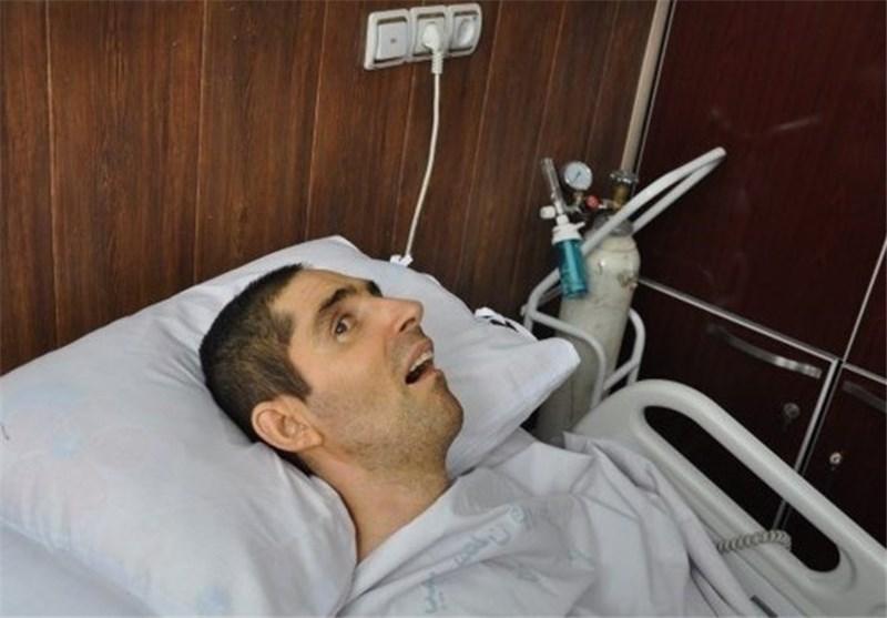 دبیر مجمع تشخیص مصلحت نظام با شهید زنده لرستانی دیدار کرد