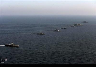مناورة انزال الغواصين والتشكيلات القتالية للسفن الحربية