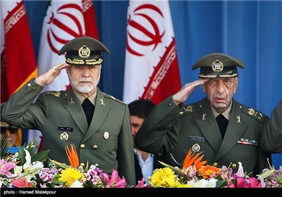 مرحوم سرلشگر محمد سلیمی و سرلشگر عطاءالله صالحی فرمانده کل ارتش