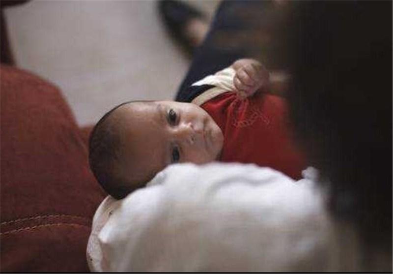 بلدة إیطالیة تحتفل بأول ولادة لطفل منذ 29 عاما