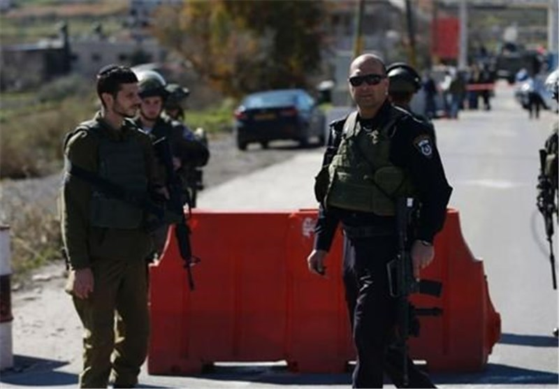 Israeli Army Bans Entry to Ramallah for Non-Residents