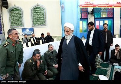 ورود حجت الاسلام ناطق نوری به مراسم تشییع پیکر امیر سرلشکر محمد سلیمی