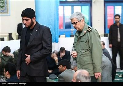 ورود سرلشکر باقری به مراسم تشییع پیکر امیر سرلشکر محمد سلیمی