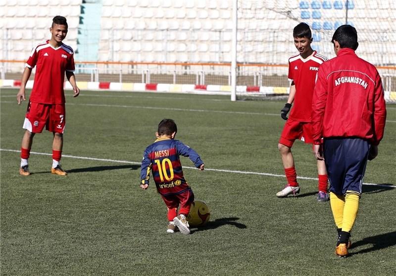 کودک-معروف-افغانی-صاحب-پیراهن-مسی-شد-تصویر
