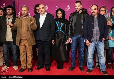 فرش قرمز فیلم سینمایی متولد 65 در چهارمین روز سی و چهارمین جشنواره فیلم فجر - برج میلاد