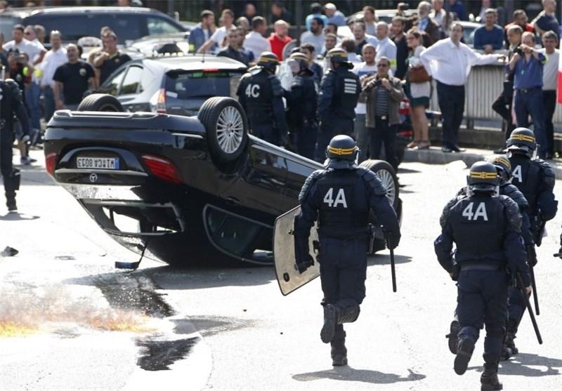 رانندگان پاریسی مسیر فرودگاه شارل دوگل را مسدود کردند