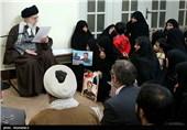 جزئیاتی از دیدار خانواده شهدای یگان صابرین سپاه با امام خامنه ای+عکس