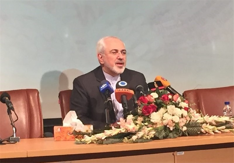 Iran Ready to Boost Economic Ties with Europe: Zarif
