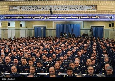 Iranian Air Force Commanders, Personnel Meet with Imam Khamenei