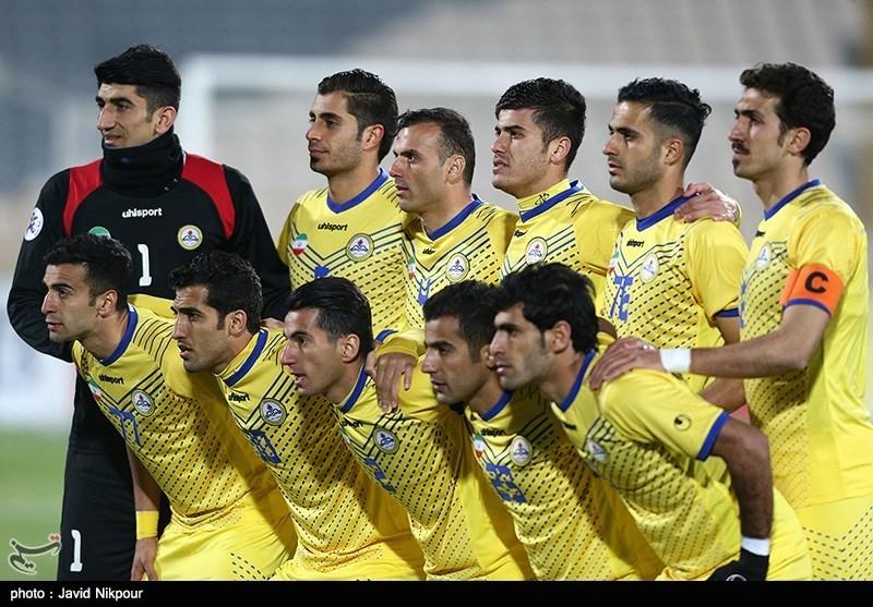 دیدار تیم های فوتبال نفت تهران و الجیش قطر