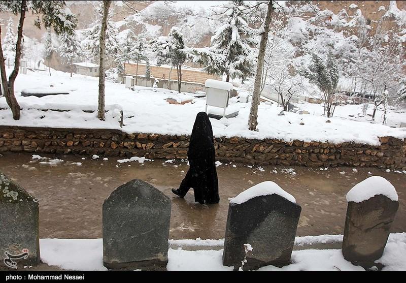 بارش برف در روستای زیارت گرگان