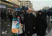 عکس کمتر دیده شده از شهید سردار همدانی در راهپیمایی 22 بهمن