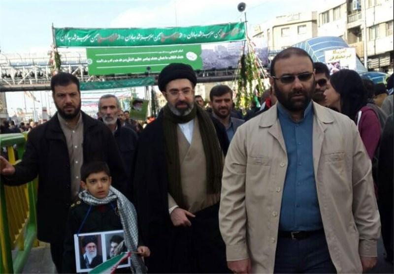 عکس/حجتالاسلام سیدمجتبی خامنهای در راهپیمایی 22 بهمن