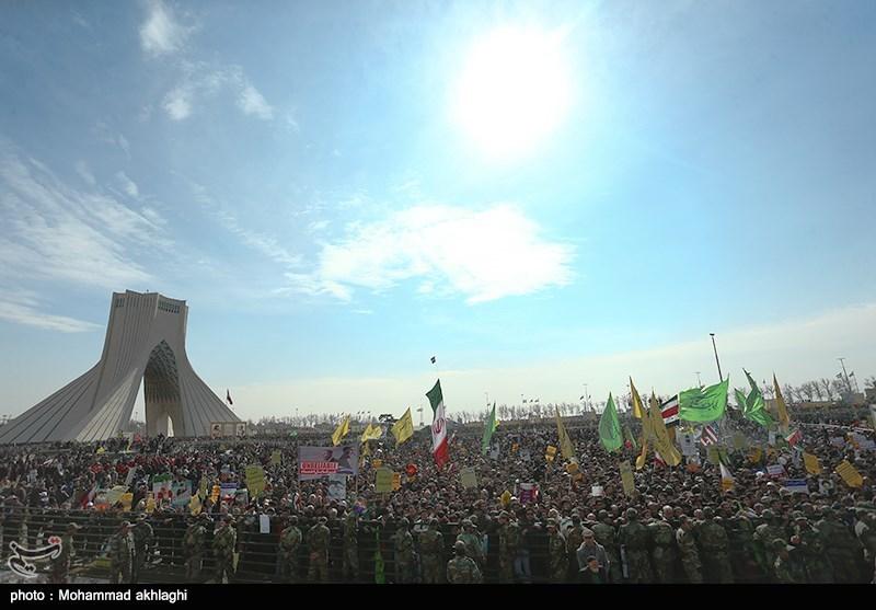 راهپیمایی 22 بهمن در تهران - میدان آزادی