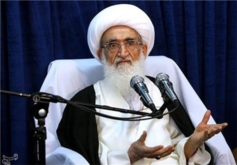 آیۃ اللہ نوری ہمدانی: ایٹمی معاہدے کی خلاف ورزی کرنے پر امریکہ کو منہ توڑ جواب دیا جائے