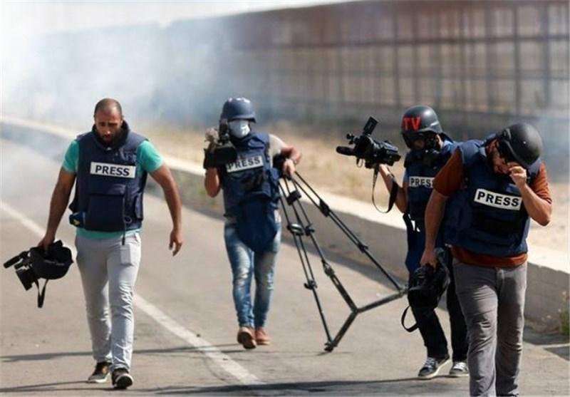 الإذاعات الفلسطینیة تتعرض للإغلاق والتشویش والحصار الصهیونی واعتقال طواقمها