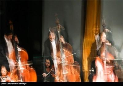 ارکستر سمفونیک تهران به رهبری امیل تاباکوف