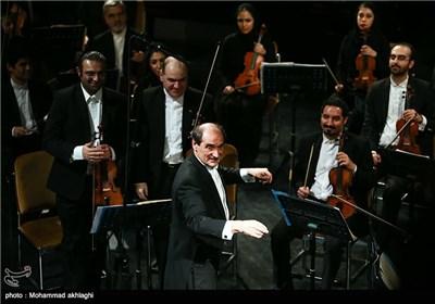 اجرای ارکستر سمفونیک تهران به رهبری امیل تاباکوف