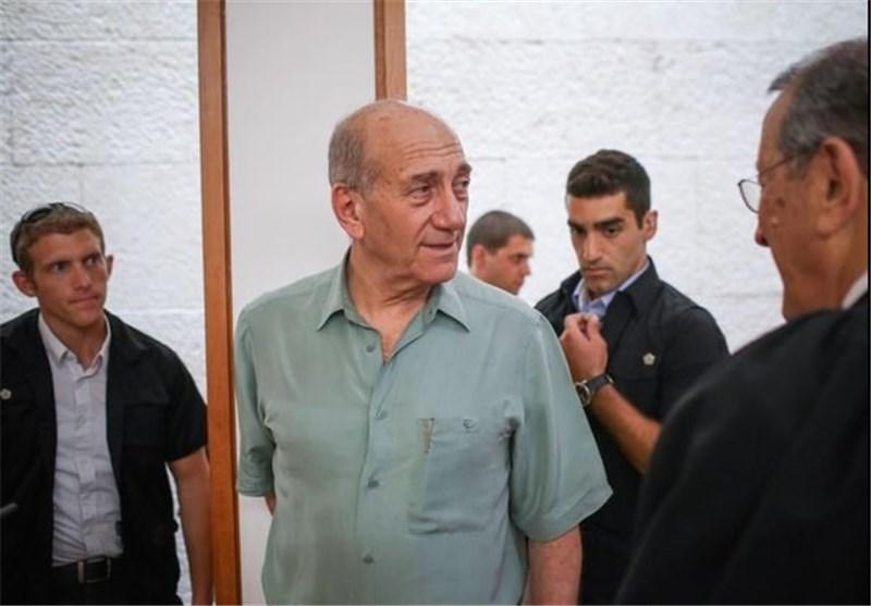 """""""إیهود أولمرت"""" یبدأ عقوبة السجن 19 شهرا لإدانته بالفساد"""