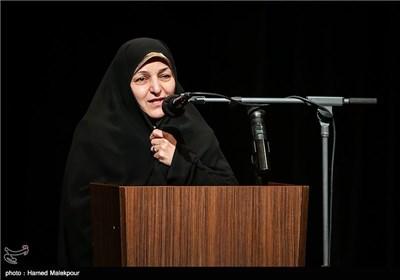 سخنرانی همسر شهید مجید شهریاری در مراسم تجلیل از ابراهیم حاتمیکیا کارگردان فیلم بادیگارد