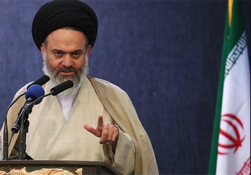 امام جمعه قم: آمریکا جرات کوچکترین اقدام علیه نفتکشهای ایرانی را ندارد