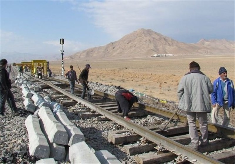 Iranian, Azeri Officials to Discuss Partnership in Railroad Project