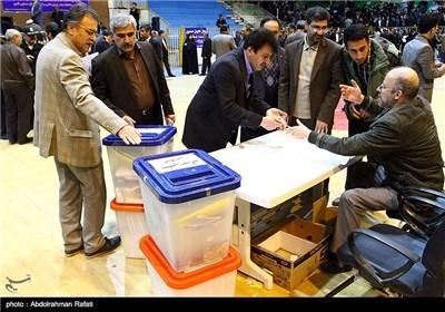 توزیع صندوق های اخذ رای در همدان