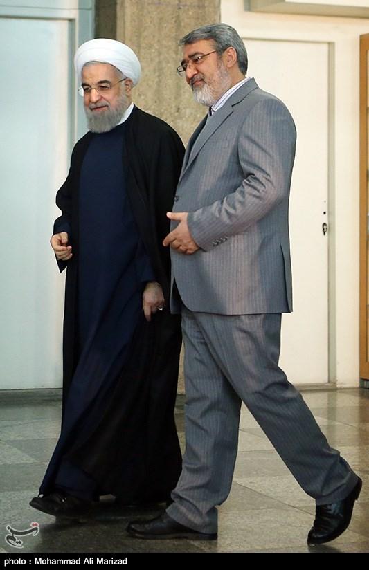 حضور حجتالاسلام حسن روحانی رئیس جمهور در پای صندوق رأی انتخابات دهمین دوره مجلس شورای اسلامی و پنجمین دوره مجلس خبرگان رهبری