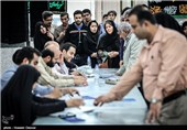 تازهترین اخبار از انتخابات ایران| آغاز رایگیری از جوار مزار حاجقاسم/ تجلی وحدت شیعه و سنی در پای صندوقها/ قمیها به پای صندوقها آمدند+ تصاویر