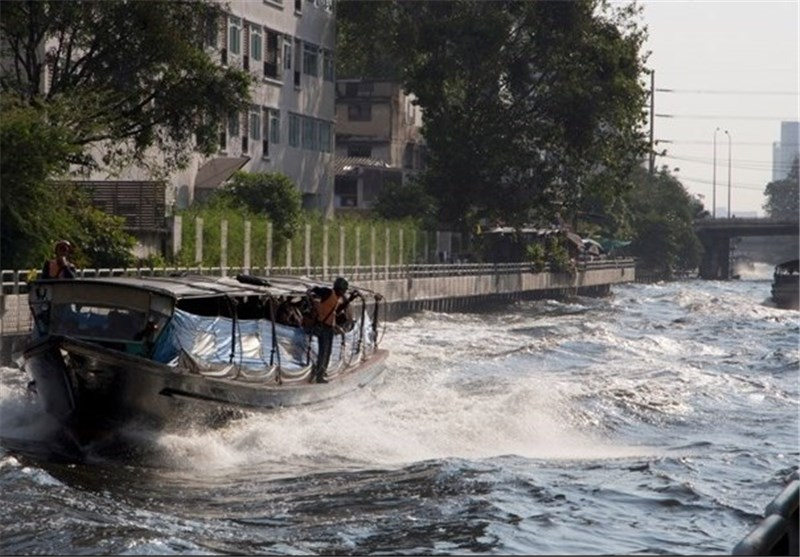 Blast on Bangkok River Taxi Injures over 50