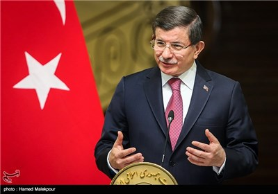 Turkish PM Davutoglu Officially Welcomed in Iran