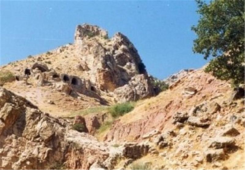 """قلعه """"سهکسان"""" درهشهر میراث گستردهای از دوران ساسانی در دل صخرهها"""