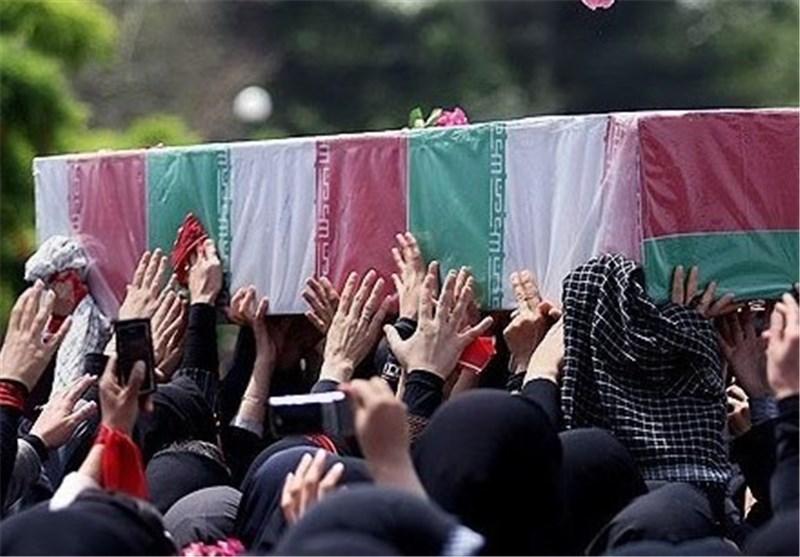 صبح امروز همزمان با روز شهادت حضرت فاطمه زهرا(سلام الله علیها) مردم و دستههای عزاداری در میادین اصلی شهر تجمع و عزاداری کردند.