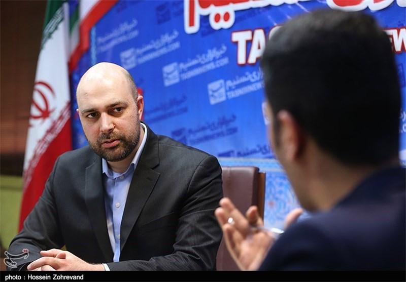 سطح علمی ایرانیها را از آمریکاییها هم بالاتر دیدم/ فکر مهاجرت استعماری است/ به ایران آمدم تا کشورم را بسازم